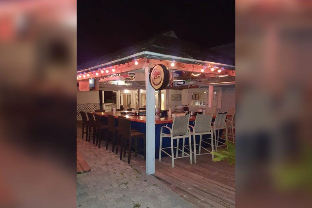 Captain's Table Bar & Restaurant Cayman Islands
