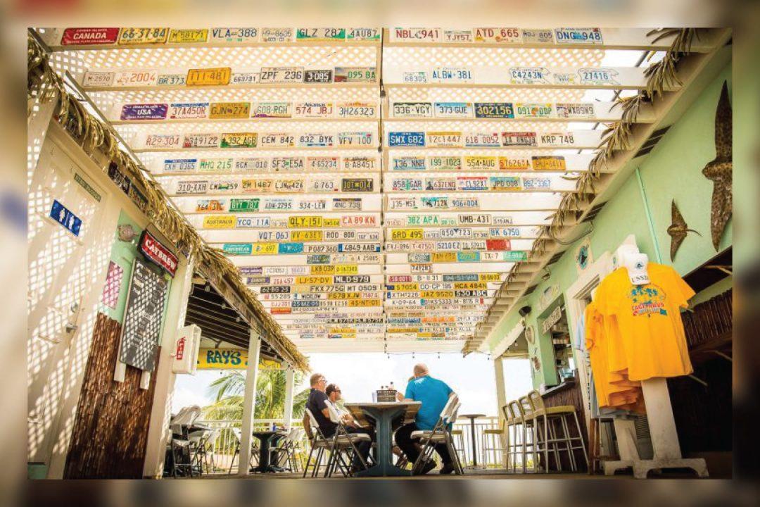 Eagle Rays Bar & Grill Cayman Islands