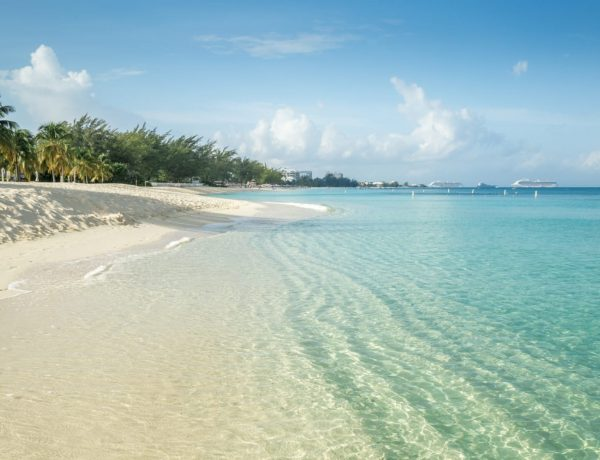 Seven Miles Beach - Grand Cayman - Cayman Islands