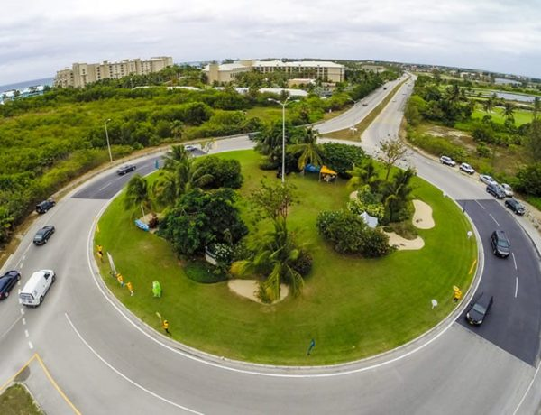 The-island-heritage-roundabout-cayman
