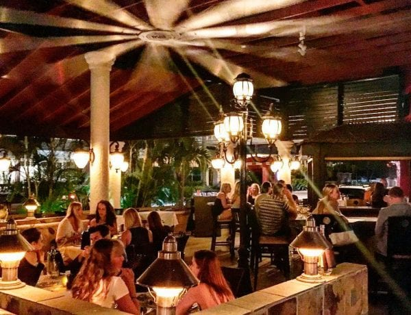 Deckers-Restaurant-Cayman-Islands