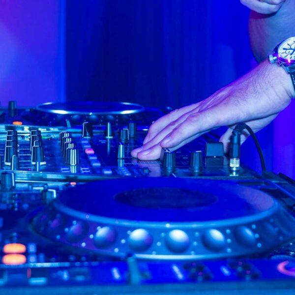 Live DJ photo