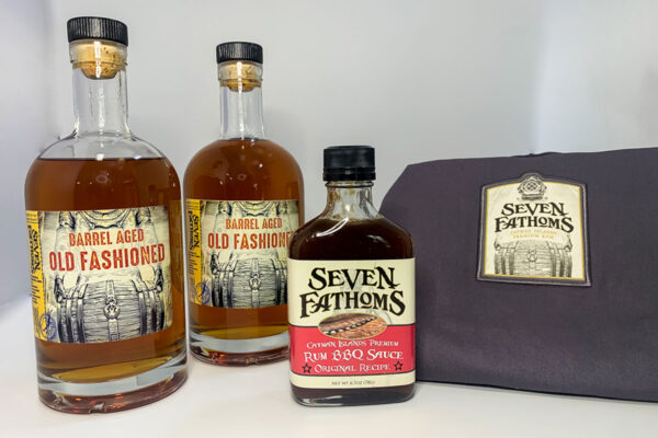 BBQ KIT: 2 bottles Seven Fathoms Old Fashioned Rum + 1 BBQ sauce + Apron